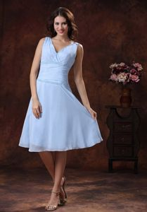 Lovely Light Blue V-neck Knee-length Dress For Dama with Beading in Troy