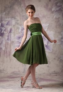 Strapless Olive Green Short Quince Damas Dress with Ruche and Sash Bow