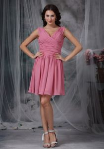 Cute Rose Pink Ruched V-neck Mini-length Prom Dresses For Dama in Erie