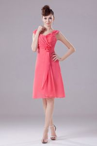 Watermelon Red Knee-length Dama Dresses with Ruched Straps and Flower