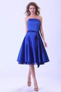 Hot Sale Strapless Royal Blue Tea-length Dama Quinceanera Dresses with Sash