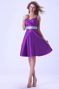 Simple Purple Knee-length Dama Quinceanera Dresses with Spaghetti Straps