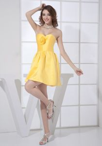 Cute Sweetheart Zipper-up Yellow Short Prom Dress For Damas with Flower