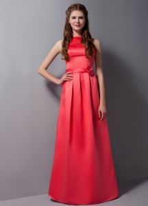Luxurious High Neck Floor-length Quince Damas Dresses with Flower in Red