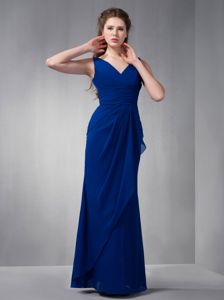 Elegant Ruched V-neck Royal Blue Full-length Quince Dama Dresses in Taos