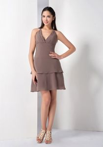 Simple Brown V-neck Halter Short Quince Dama Dress with Layers in Boise