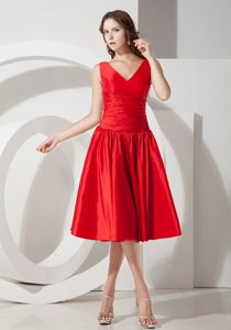 Wholesale Red V-neck Tea-length Cocktail Dresses For Damas with Ruche