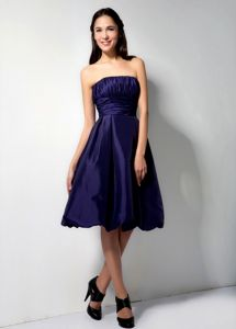 Dark Purple Strapless Knee-length Party Dama Dress with Pick-ups in Stuart