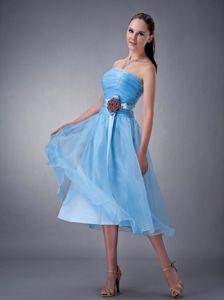 Cute Aqua Blue Strapless Tea-length Bridesmaid Dama Dresses with Flower
