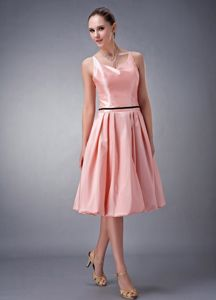 Watermelon V-neck Knee-length Quince Dama Dress with Sash and Straps