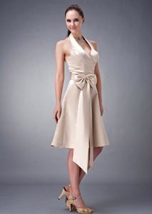 Sexy Halter Champagne Knee-length Quince Damas Dresses with Bowknot