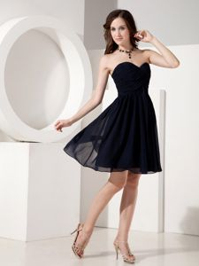 Black Princess Sweetheart Knee-Length Dress for Dama with Ruching in Dunbeath