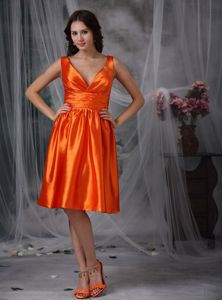 Eye Catching Orange Knee-length V-neck Damas Dress for Quince Online