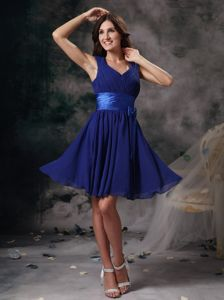 Elegant V-neck Peacock Blue Short Dama Dress for Quinceaneras Low Price