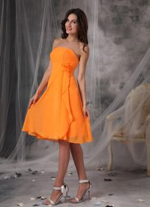 Strapless Orange Short Damas Dresses for Quince with Handmade Flower