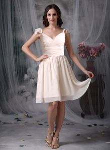 New Knee-length Off White Damas Dresses for Quince with Flounced Straps
