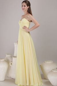 Sweetheart Floor-length Chiffon Ruched Dama Dresses in Yellow in Olympia