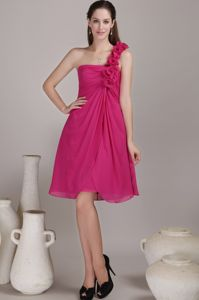 One Shoulder Knee-length Chiffon Hand Flowery Dama Dress in Hot Pink