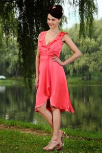 Watermelon Red v Neck Party Dama Dresses in Knee-Length in Watsonville
