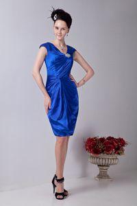 Graceful v Neck Royal Blue Beaded Dama Dresses in Knee-Length in Sonoma