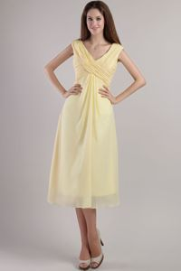 Light Yellow V-neck Ankle-length Chiffon Quince Dama Dresses in Bellevue