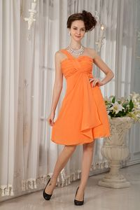 Orange A-line One Shoulder Chiffon Ruches Dama Dress in Tame Colombia