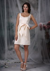 Off White Column Straps Bow Dama Dress For Quinceanera in Pacasmayo Peru