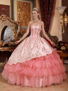 Sweetheart A-line Pink Quinceanera Gown Dress with Appliques in Hurley