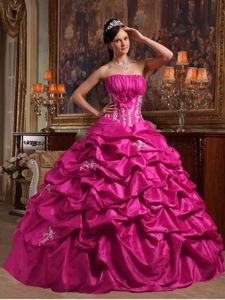 Sleek Strapless A-line Fuchsia Quince Dress with Appliques and Pick-ups