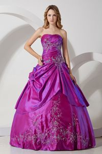 Cheap Ball Gown Quinceanera Gown Dresses in Fuchsia with Embroidery