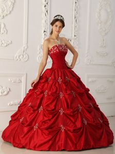 Wine Red Ball Gown Strapless Quinceanera Dress with Appliques and Beading