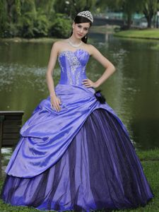Lace-up Purple Floor-length Quince Dresses with Pick-ups and Appliques