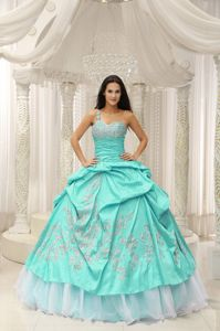 Baby Blue Single Shoulder Beaded Long Sweet 16 Dresses with Appliques