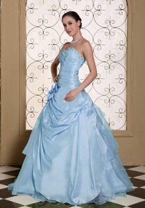 Lovely Light Blue Beaded Sweetheart Long Sweet 16 Dresses with Flower