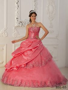 Pick Ups Strapless Quinceaneras Dress with Lace Edge in Berkeley Springs