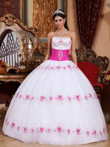 White and Pink Strapless Appliqued Quinceanera Gown Dress in San Pablo