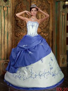 Embroidery Blue and White Sweet Sixteen Quinceanera Dresses in Shoreline