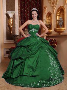 Dark Green Sweetheart Taffeta Embroidery and Pick-ups Sweet 15 Dresses