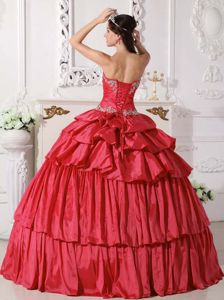 Sweetheart Taffeta Beaded Ruched Quinceanera Dress in Red in Plato in Colombia