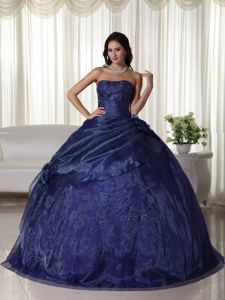 Navy Blue Strapless Tulle Quinceanera Dress with Beading in Calarc�