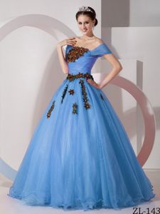 Off the Shoulder Floor-length Organza Quince Dress with Appliques