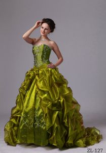 Olive Green Sweep Quince Dresses with Pick-ups and Embroidery in Bend
