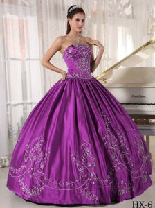 Elegant Purple Strapless Full-length Dress For Quinceanera with Embroidery