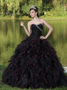 Sweetheart Floor-length Sweet 16 Dresses in Black with Ruffles and Beading