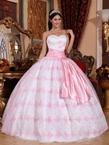 Unique Spaghetti Straps Embroidered Light Pink Sweet 15 Dresses with Sash