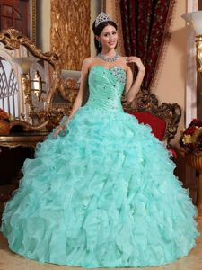 Apple Green Sweetheart Beaded Long Sweet Sixteen Dresses with Ruffles