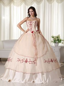 Champagne Sweetheart Long Quince Dresses with Embroidery and Flowers