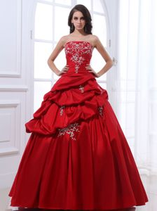 Wine Red Strapless Long Quinceanera Gown with Pick-ups and Embroidery