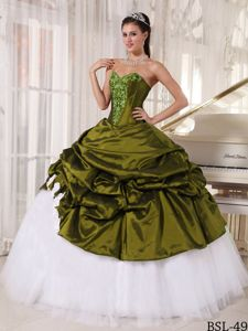 Olive Green and White Appliqued Sweetheart Quince Dresses with Pick-ups