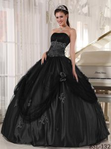 Sexy Strapless Black Floor-length Quince Dresses with Appliques in Colora